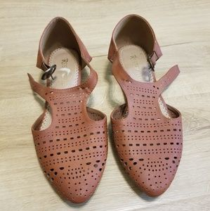 Size 8 pointed toe woven look shoes flats mules